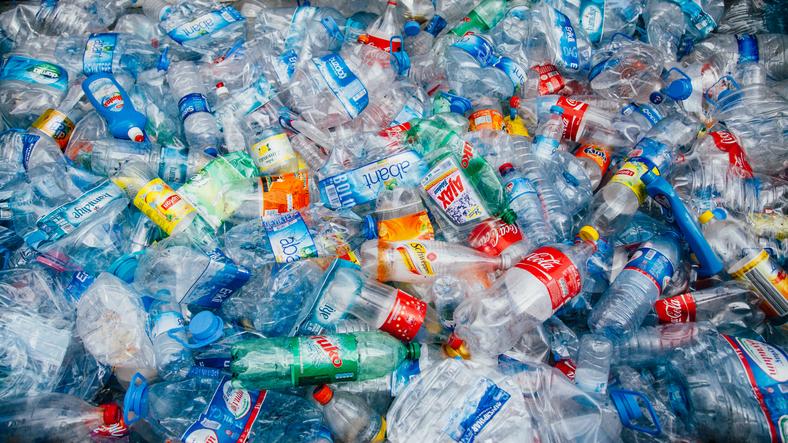 hur påverkar plast miljön